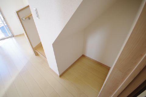 階段下収納 (1)