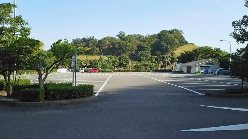 今日は、とべ動物園の日の駐車場の様子です。