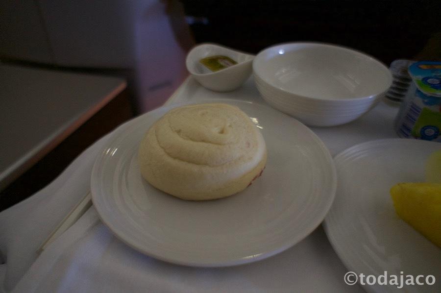 パンは中華饅頭(チャイニーズ・マントウ)を選んだけど・・・