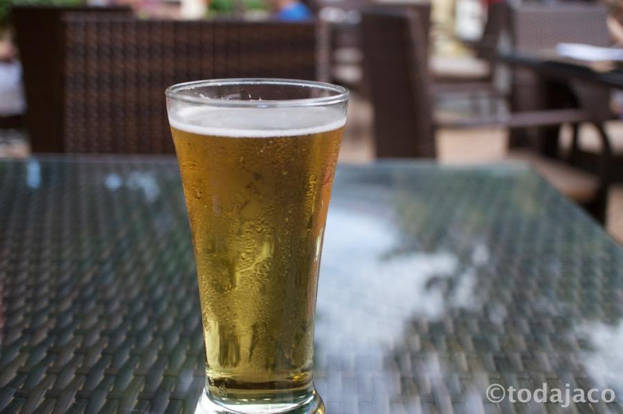 ここでもビールを。カールスバーグ生