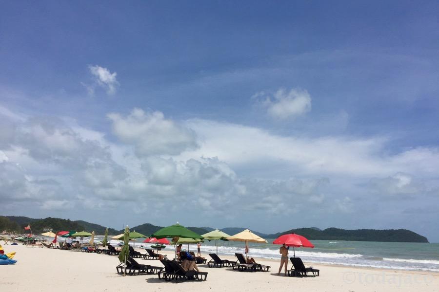 午後のビーチ