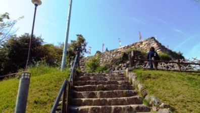 静岡県浜松市中区にある日本の城跡。野面積みの石垣で有名