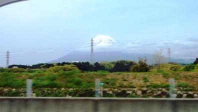 新東名の上り線で沼津市付近で撮った富士山の写真