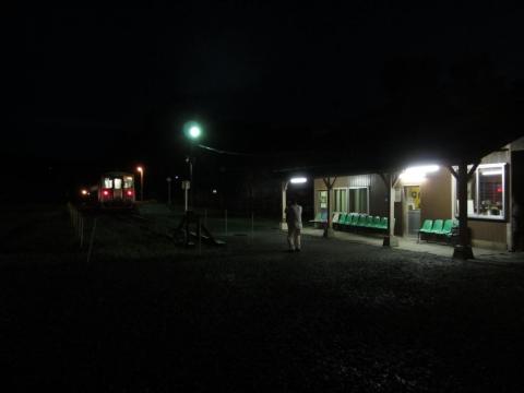 増毛駅夜景