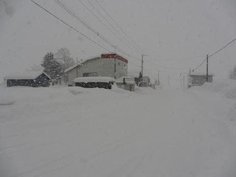 厳冬の旧沼牛駅前通り