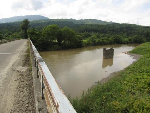 雨煙別橋と雨竜川