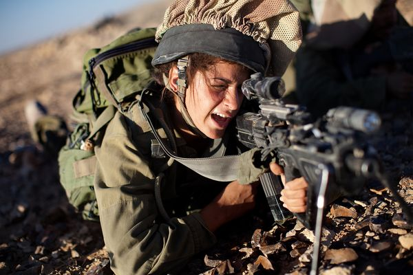 nfemale-soldiers-panetta_63611_600x450.jpg