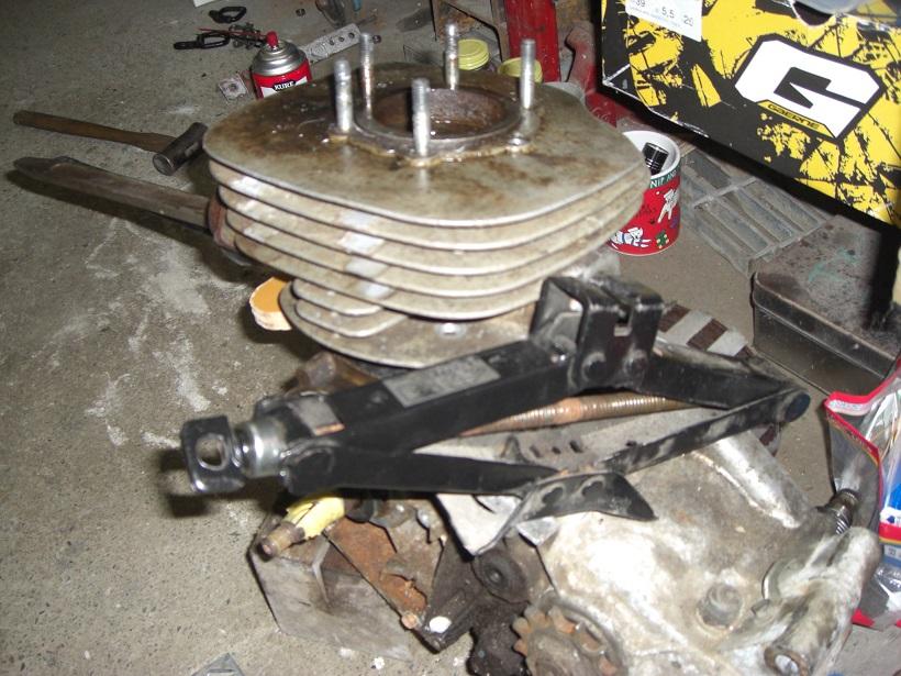 TS250エンジン分解1