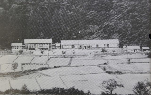 遠瀬小学校