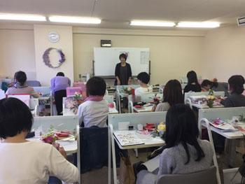 161024 フラワーデザイン校ラッピング講義2