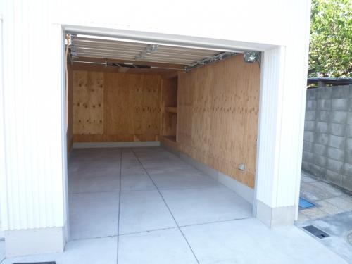 リジューコ1階・車庫1