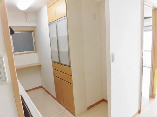 パール綱島マンション408 (食器棚2)