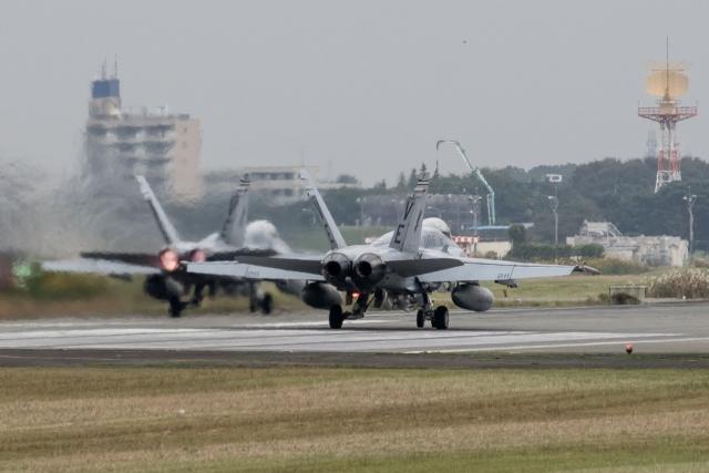 F-18 E スーパーホーネット