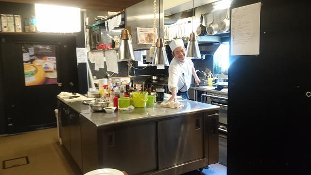 厨房の料理長16