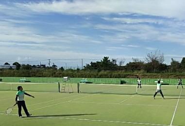 テニスの試合風景