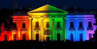 虹色に染まるホワイトハウス