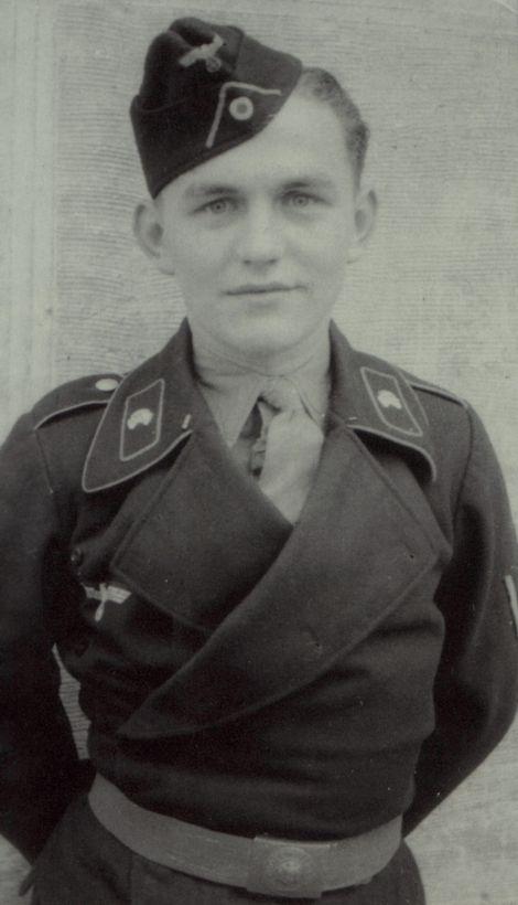 戦車兵用黒特殊野戦服第2号(1936年型)