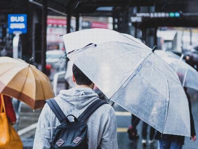 フリー素材 PAKUTASO 雨