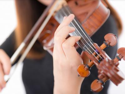 フリー素材 PAKUTASO ヴァイオリン