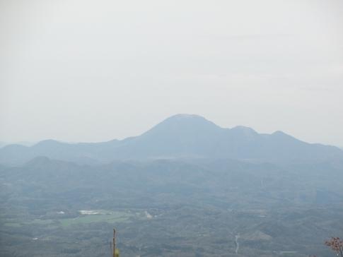 大江高山 M 009
