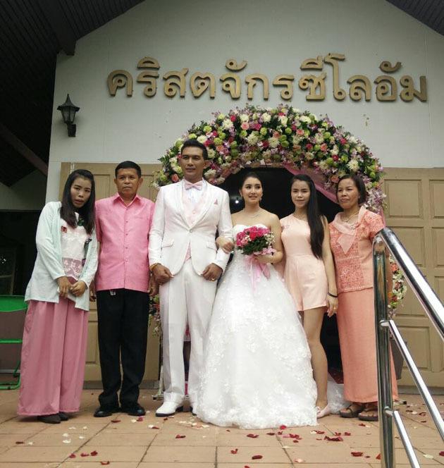 ノックの結婚式!