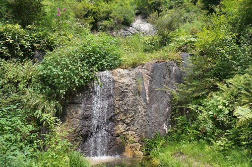 13奈々久良の滝