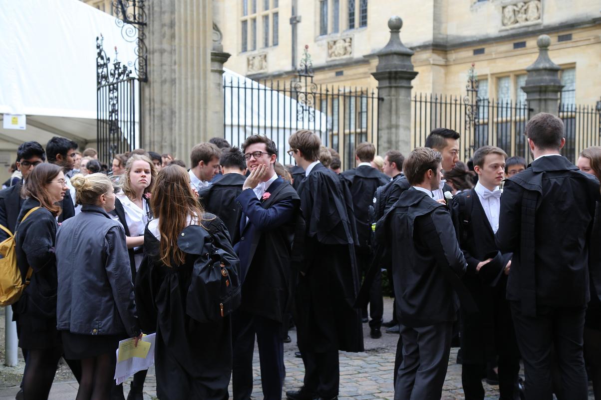オックスフォード 学生
