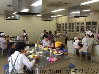 20160726親子クッキング写真食事中