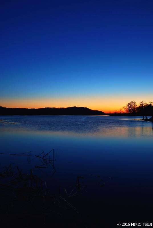 0064 青い朝 (釧路湿原国立公園)