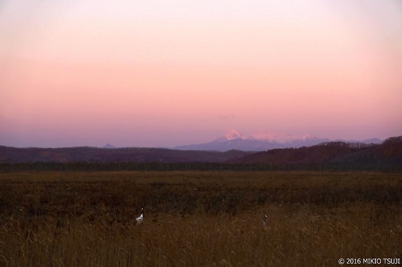 0066 赤い空と雌阿寒岳 (釧路湿原国立公園)