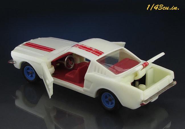 Chiqui_Cars_Mustang_12.jpg