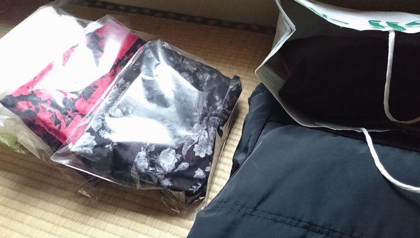 冬服をリサイクルショップへ (1)