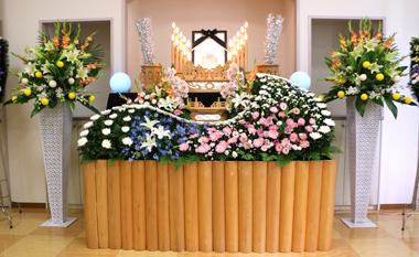 花祭壇 ガーベラ 葬儀 豊川 花屋 花夢