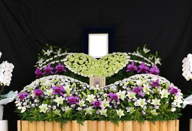 花祭壇 ハート グリーン やすらぎ会館 豊川 花屋 花夢