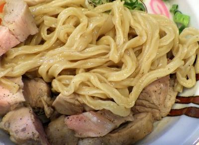 らーめん香澄 中崎町店 魚介まぜそば(麺のアップ)