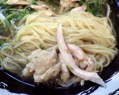 大阪麺哲 鶏ネギそば(麺のアップ)
