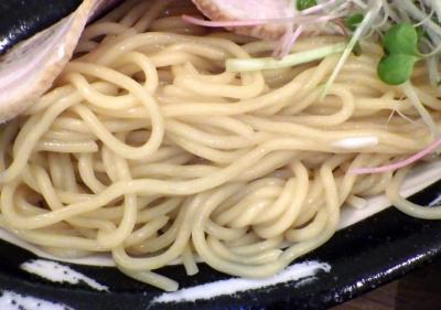 ロケットキッチン トリ塩つけ麺(麺のアップ)