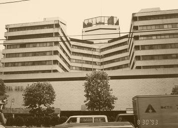 「あのホテルの前で」その1・都市伝説・本当にあった怖い話