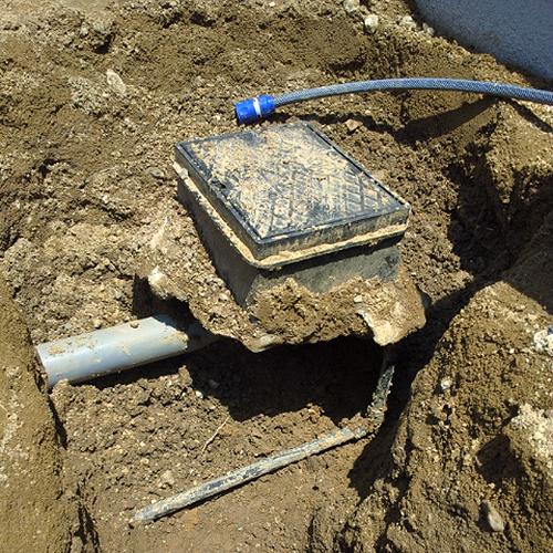 散水栓を立水栓に、そして元あった散水栓は移動し設置③