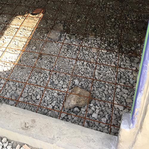一人で作るブロック小屋⑪ ~コンクリート床を作る~②