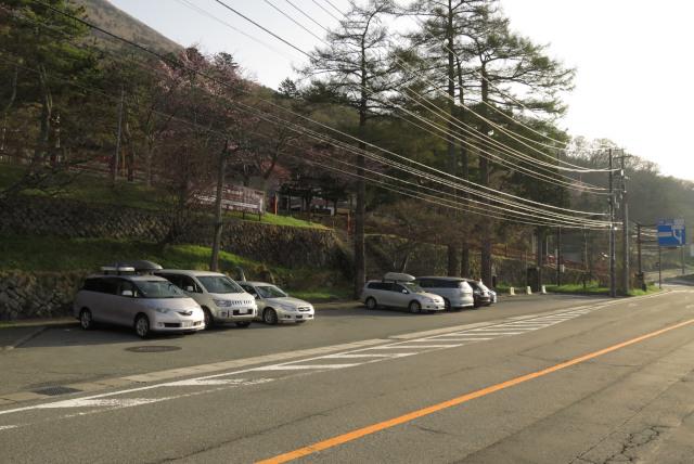 二荒山神社_国道120号線沿いの登山者駐車場