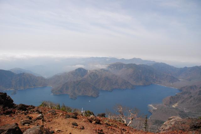 男体山の山頂からの眺め_中禅寺湖と戦場ヶ原