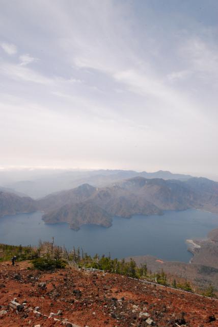 男体山の山頂からの眺め_中禅寺湖