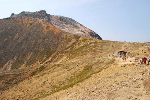 峰の茶屋小屋から茶臼岳への登り