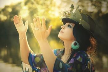 運気を上げるためには、身体の上の感覚の変化を観察すべし サードアイ朱雀