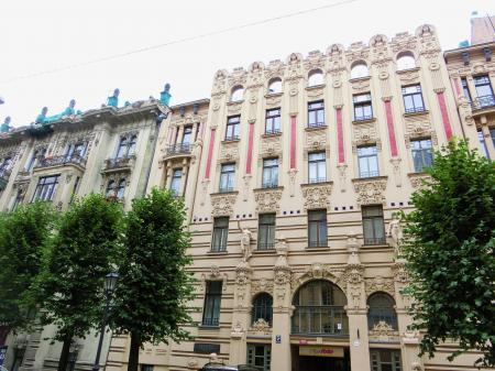 リガ ユーゲントシュティール建築群1