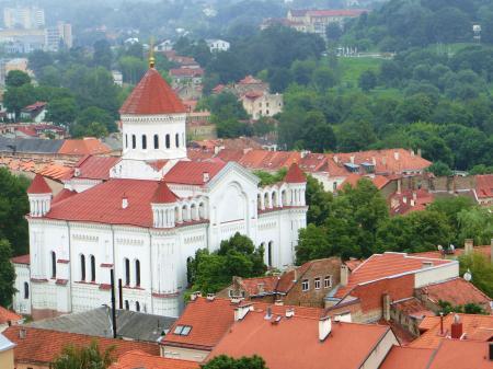 聖ヨハネ教会の鐘楼とヴィリニュス大学10