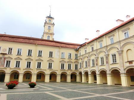 聖ヨハネ教会の鐘楼とヴィリニュス大学13