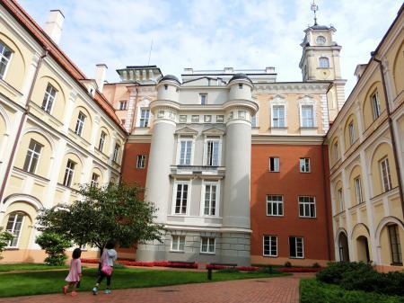 聖ヨハネ教会の鐘楼とヴィリニュス大学17