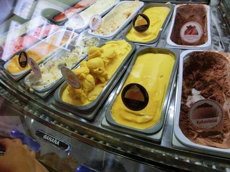 DIONE(リトアニアのアイスクリーム)4